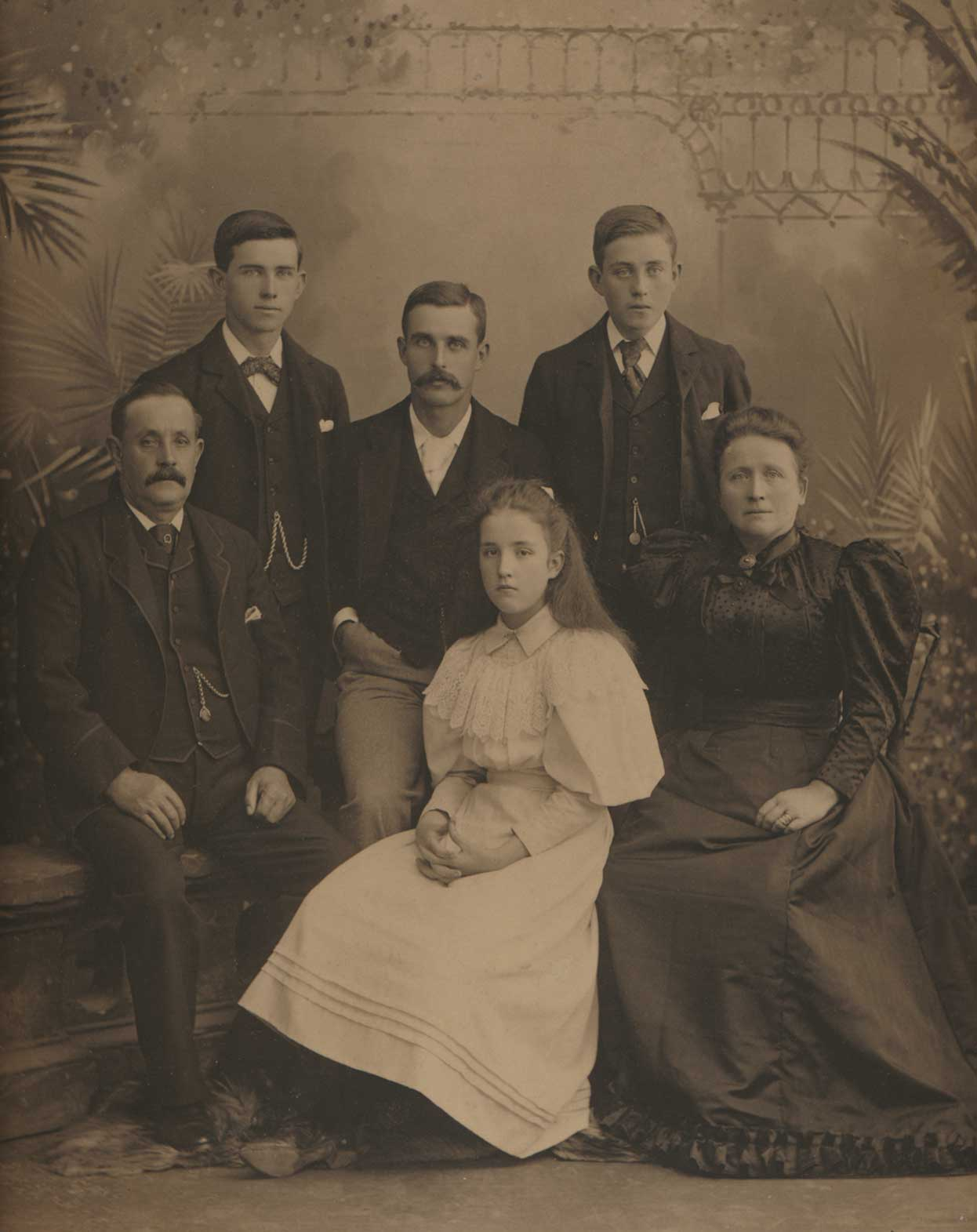 Edwin and Ellen Welford and children